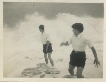 Arakawa-at-the-beach_02